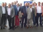 Die ehemaligen sowie aktuellen Zentralvorstandsmitglieder des AGVS – erweitert mit ehemaligen Sektionspräsidenten mit goldener Ehrennadel.