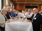 Genossen den feinen Lunch: Corinne Bizzini, AGVS-Ehrenpräsident Roland Ayer, Dominique Kolly, Nicolas Leuba und Silvio Bizzini (v.l.n.r.).